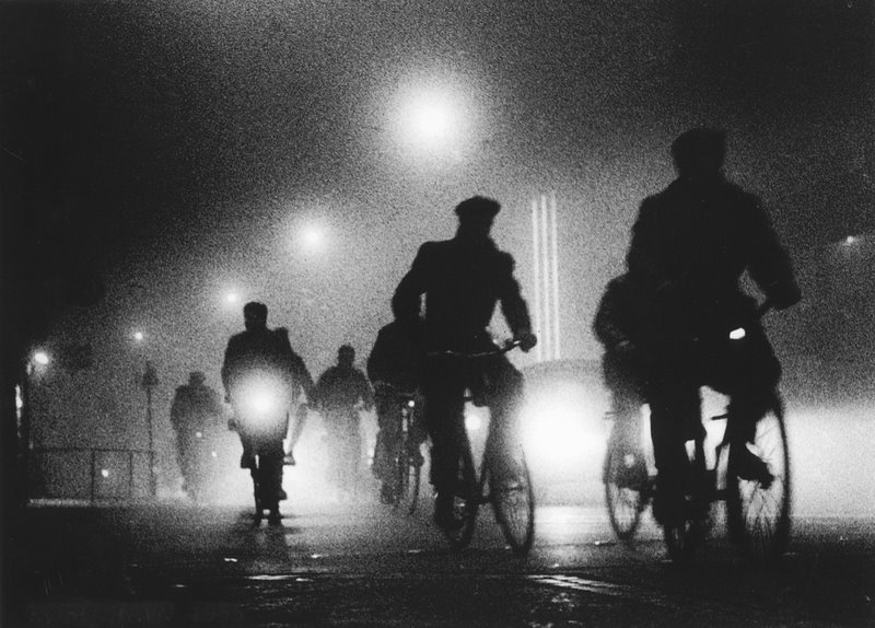Bicycling to work, Copenhagen in the 1950s © Viggo Rivad