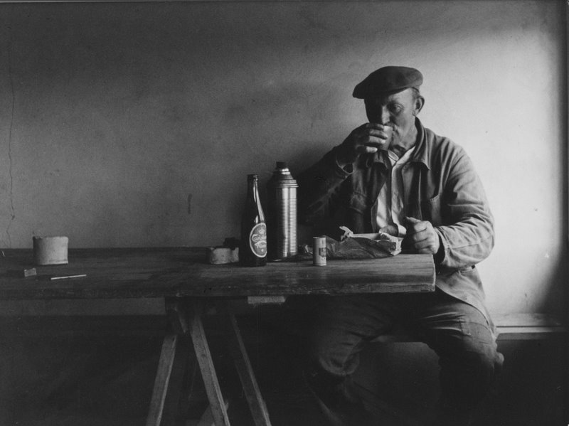 Danish worker eating his lunch © Viggo Rivad